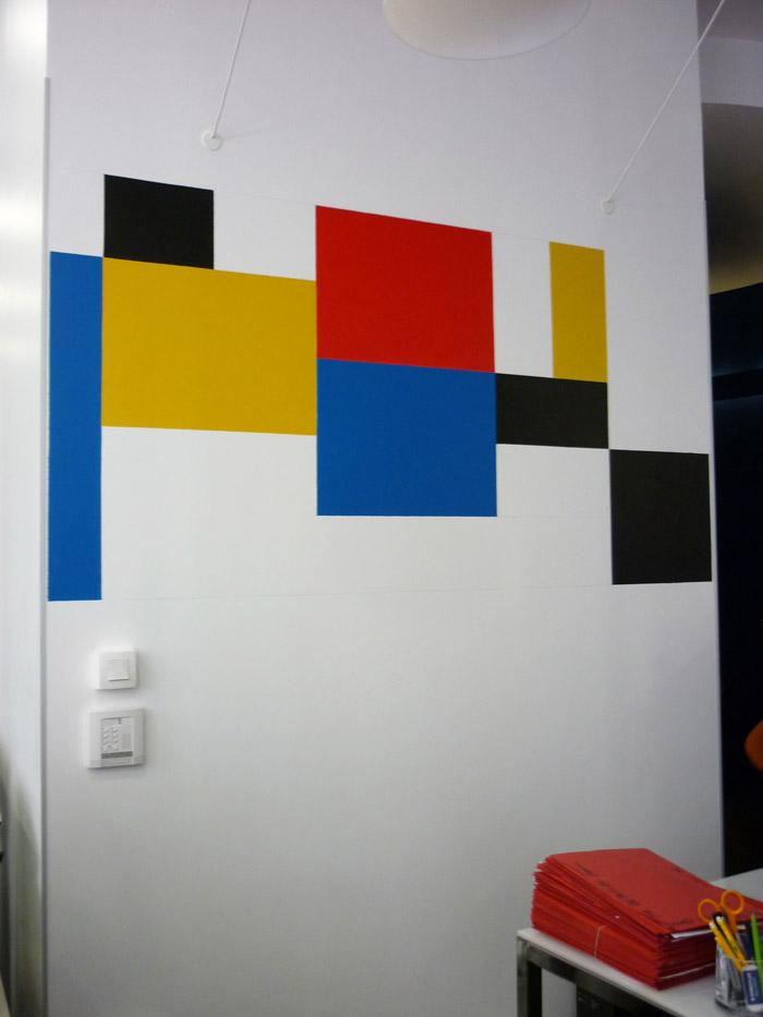le choix du praticien s'est porté vers Mondrian aux œuvres rigoureuses et colorées.