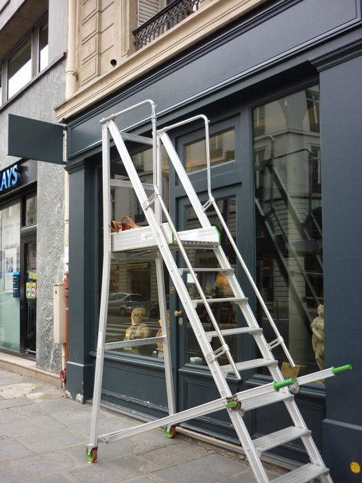 Les galeries Coatalem et Bellanger ont échangé leurs locaux. Rénovation de la façade.