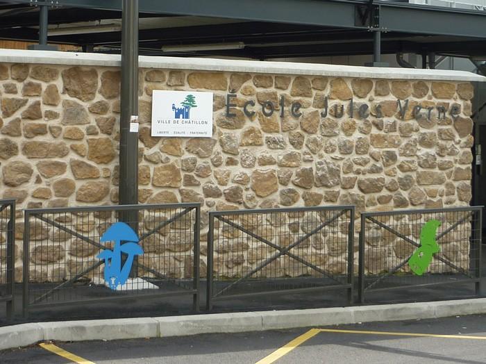 """Une nouvelle école primaire située à Châtillon est baptisée """"école Jules Verne"""""""